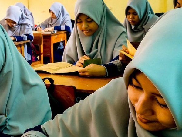 Membentuk Karakter Siswa Di Sekolah